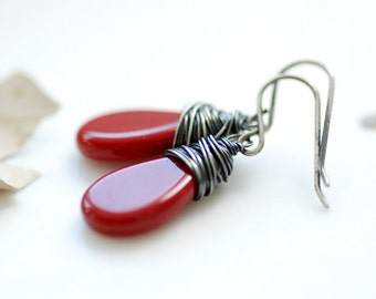 Red Glass Earrings, Holiday Earrings, Autumn Jewelry, Dangle Earrings, Red Earrings, Red Wedding, Christmas Earrings, Drop Earrings