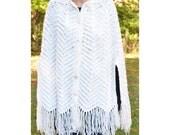 vintage 70s cape poncho AFGHAN chevron ivory wrap shawl fringe blanket coat jacket hippie boho Medium Large women white