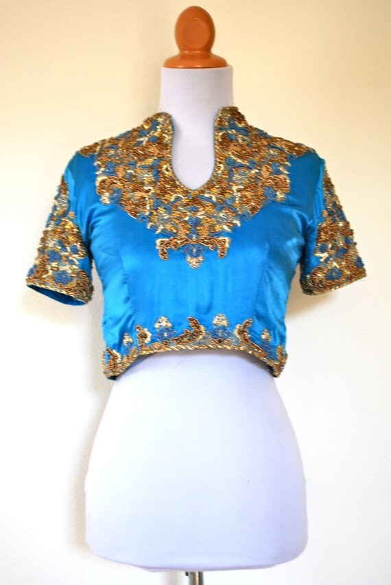 SPRING SALE/ 20% off Vintage 80s 90s Land and Sea Indian Beaded Crop Top