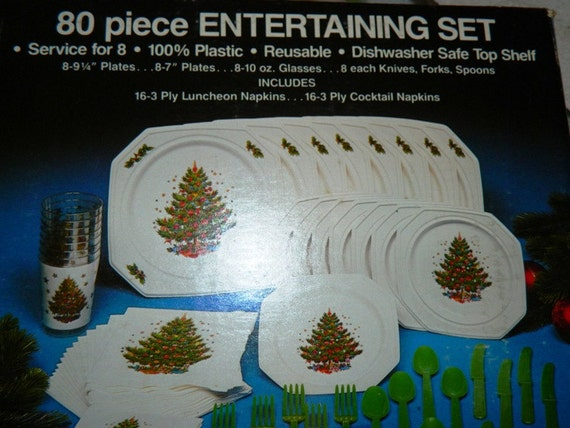80 piece christmas entertaining plastic dish by theidconnection. Black Bedroom Furniture Sets. Home Design Ideas