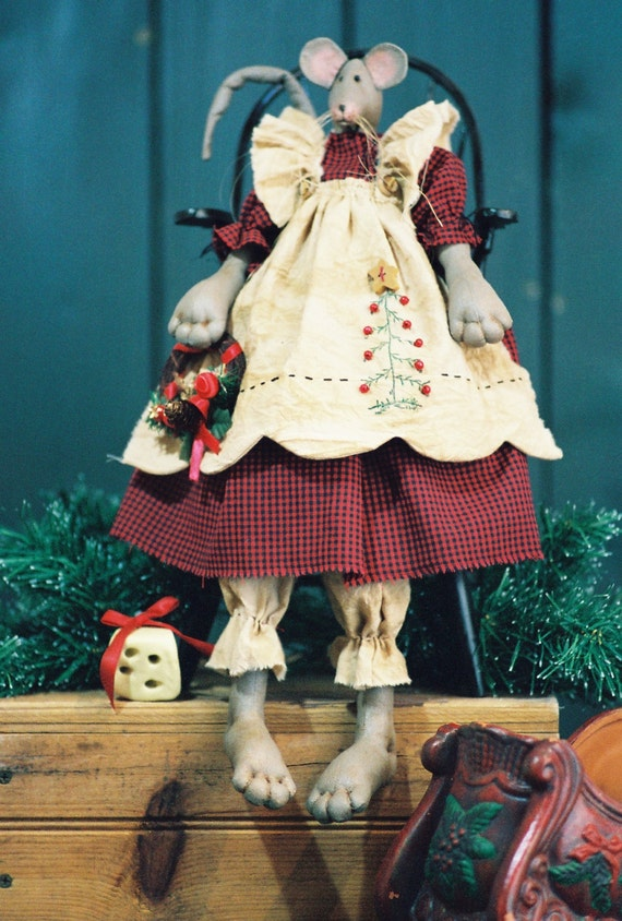 Cloth Doll E-Pattern - 19in Christmas Mouse epattern