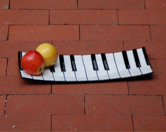 Fused glass art plate, piano or keyboard
