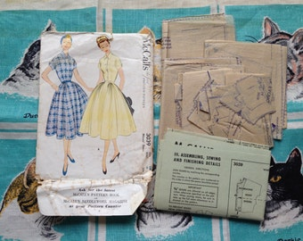 1954 dress pattern. McCall's 3039. 32 bust.