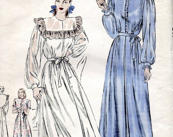 Vogue 6006 1940s Misses Easy NEGLIGEE Pattern Lingerie Robe Womens Vintage Sewing Pattern Size 14 Bust 32  FF