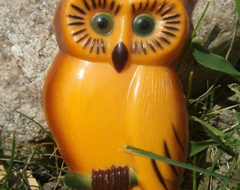 Plastic Owl - Owl Decoration - Vintage Owl Wall Decor - Wreath Supply - Craft Supply - Small Owl - Plastic Owl