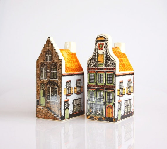 Ceramic hand painted brownstone houses