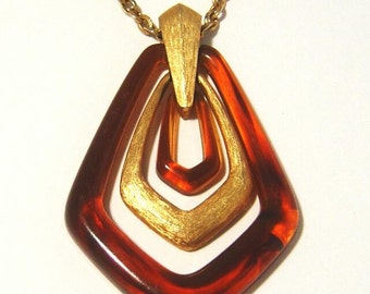 Vintage Avon Town and Country faux tortoise  Lucite Door Knocker Pendant necklace