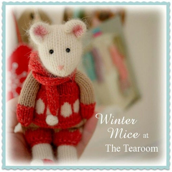 Mouse Knitting Pattern/ 2 WINTER Mice at the TEAROOM Toy Knitting Pattern/ Pdf/ Christmas/ Festive/ INSTANT Download