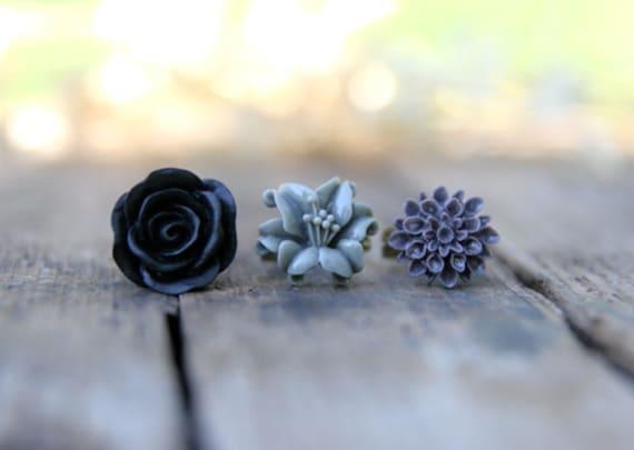 Flower Ring Trio // Grey Lily Flower Ring // Black Rose Ring // Deep Purple Mum Ring // Bridesmaid Gifts // Bridesmaid Rings