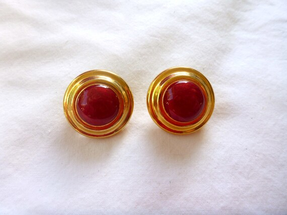 Vintage Marbled Red and Golden Clip Ons : C11