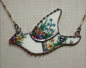 Broken China Jewelry Lenox Rutledge Mosaic Bird Pendant Necklace by robinsrelics
