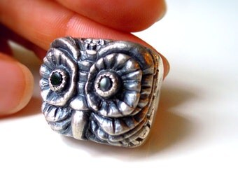 Sterling Silver Owl Ring with Onyx Eyes