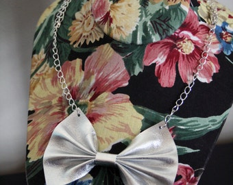 Metallic Leather Bow Necklace - Kawaii