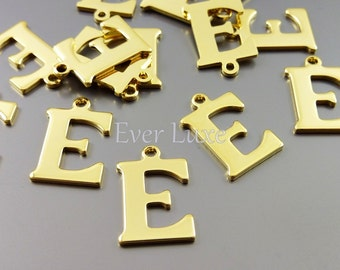 4 Alphabet E letter charms for personalized jewelry, gold jewelry name initial charms for jewelry, 1907-BG-E (bright gold, E, 4 pieces)