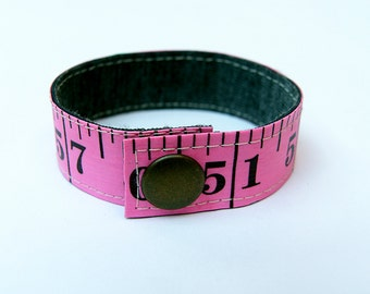 Measuring tape bracelet - Pink (upcycled)