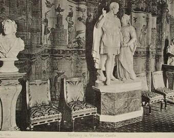 Statues at Windsor Castle, England, Gt. Britain - Unused Vintage Postcard