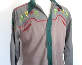 Vintage 1940's Grey and Green Gabardine Embroidered Rockabilly Western Shirt // DIVINE