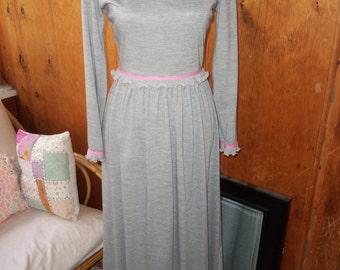 Knit Maxi Dress--70s A 'n R Jr.--Grey and Pink--Ruffles