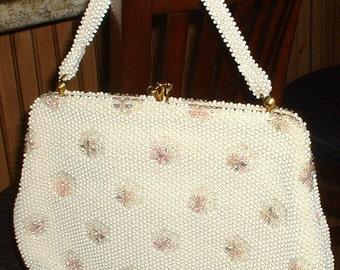 Vintage 1940 Casual Beaded Handbag Purse Flowers White with Pink and Green Embroidery by CORDE' BEAD