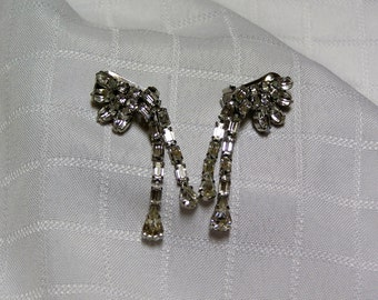 Vintage baguette and marquis Dangling rhinestone clip earrings