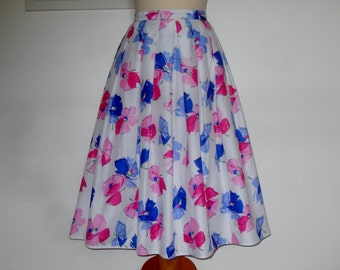 Pretty skirt from St Michael c 1970s UK vintage 14, US vintage 10 floral rockabilly