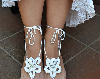 white crochet Bidal Barefoot Sandals, Bridal Foot Jewelry, Beach Wedding Barefoot Sandals, Barefoot Wedding Sandal, Boho Wedding Shoes