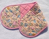 Double Oven Mitt - fun kitchen print and pink contrasting fabrics, insulated with cotton batting. Two Handed Oven Mitt