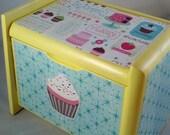 Yellow Cupcake Recipe Box