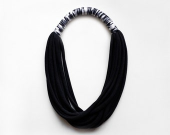 The print necklace - handmade in black jersey fabric and leopard fabric
