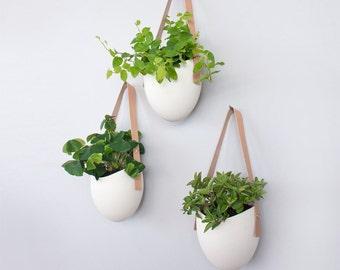 Set of 3 porcelain + leather hanging planters