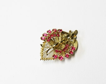 1940s pin butterfly pink rhinestone goldtone wire work on leaf