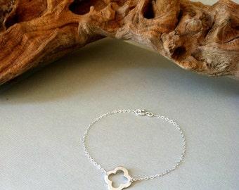 SALE - Sterling Silver Clover Bracelet / Summer Collection / chic, simple, modern, brushed, delicate