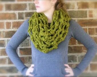 DIY PATTERN: The Oslo Cowl, crochet pattern PDF & ViDeO LiNk, infinity scarf, chunky super bulky yarn, InStAnt DoWnLoAd, Hookless Crochet