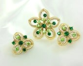 Vintage Brooch and Earring Set in Gold and Green Rhinestones