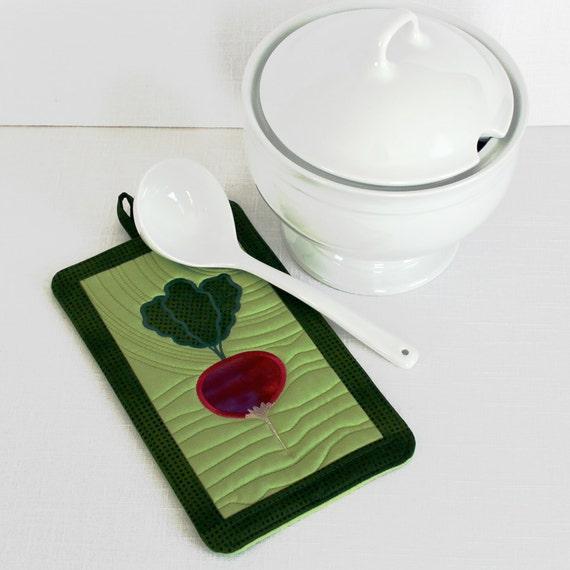 Quilted Pot Mitt with Radish or Beet Applique on Green Potholder Oven Mitt, Pot Holder