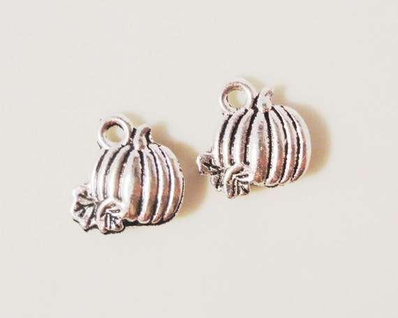 Silver Pumpkin Charms 11x10mm Antique Silver Metal Small Fall Autumn Thanksgiving Halloween Charm Pendant Jewelry Making Findings 10pcs