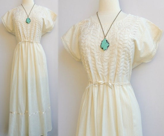 Sale today only vintage mexican embroidered floral ivory maxi