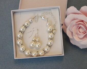 Pearl bracelet with clear crystal rhinestone spacers, pearl earrings bridesmaid gift - Pearls Bracelet and Earrings with rhinestones