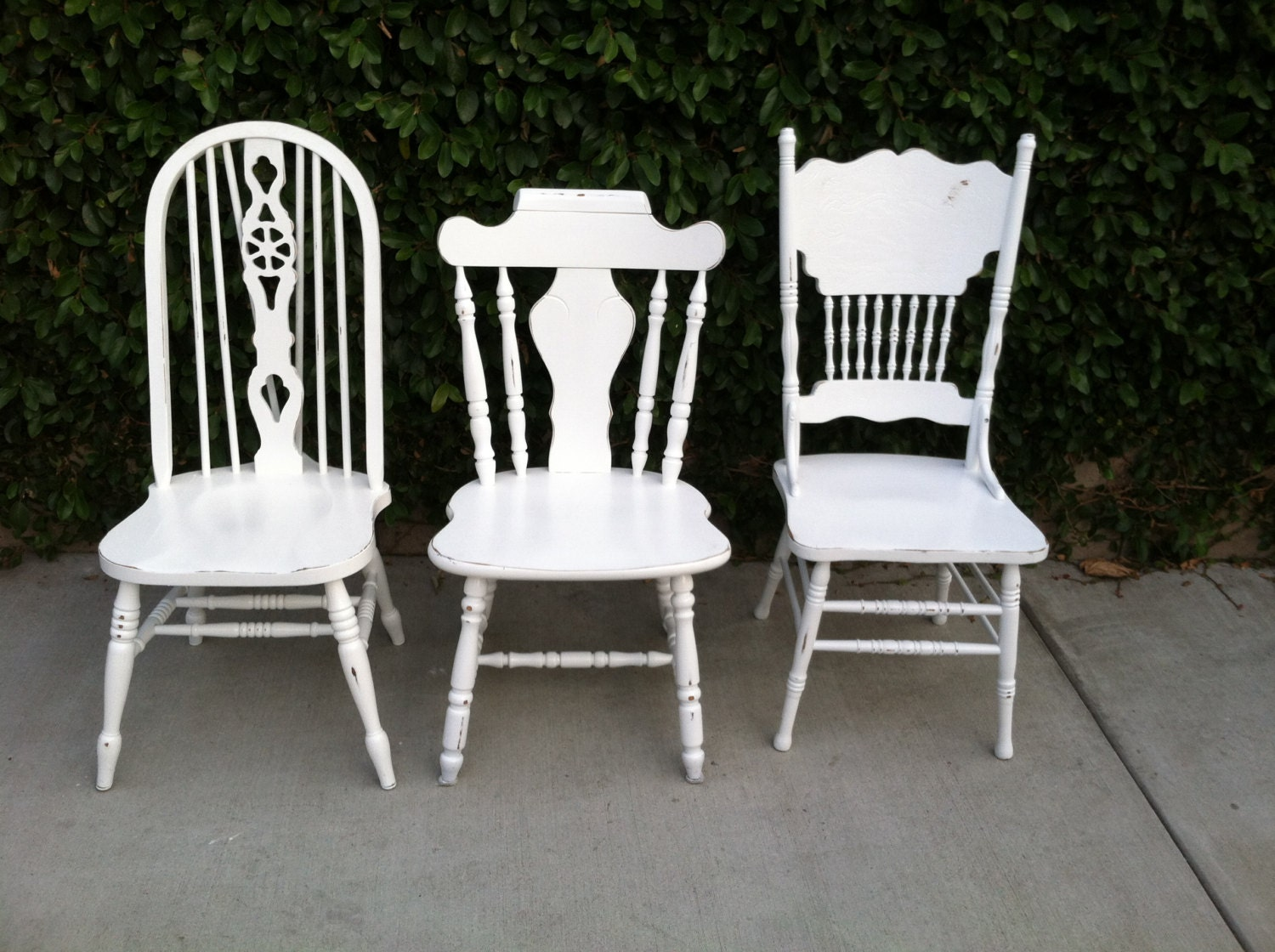 Mismatch dining chairs set of 3 white shabby chic for Cottage style kitchen chairs