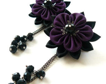 Kanzashi  Fabric Flowers. Set of 2 hair clips. Black and plum. Gothic Hair Clip