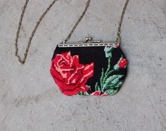 Clutch  vintage and chic in up cycling needlepoint