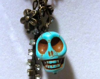 Howlite Turquoise Skull Necklace
