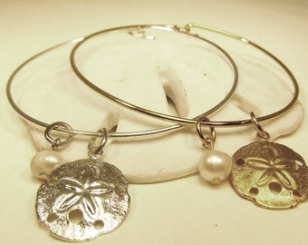 Sand dollar pearl stackable wire bangle charm bracelet
