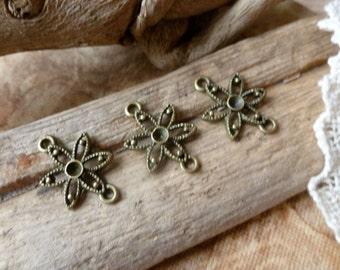 6x Flower Connector Charms, Antique Brass Connector Pendants C171