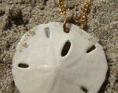 Vintage REAL Sand Dollar Beach White Pendant Gold Tone Nautical Necklace Jewelry Wedding Summer Bridal Ocean Sea Nature Marine Fashion Gift