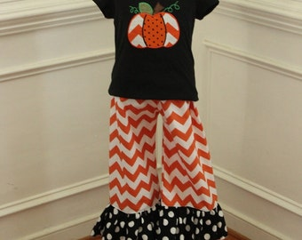 Halloween outfit Halloween pumpkin outfit pumpkin clothing Halloween Chevron outfit for girls toddlers ruffle pant set ruffle pant outfit