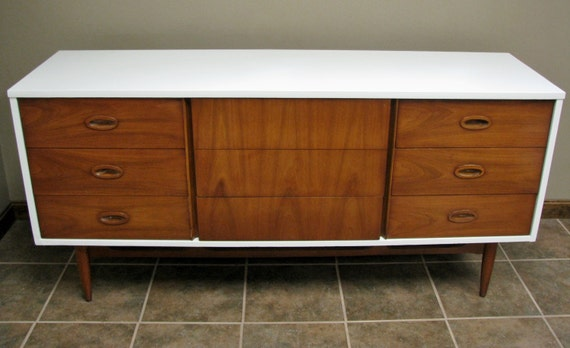 vintage upcycled gloss white painted mid century modern. Black Bedroom Furniture Sets. Home Design Ideas