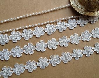 Pretty Venise Lace Trims White Flower Lace Appliques for Bridal, Lingerie, Costume design