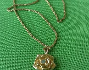 Vintage Gold-tone Flow Pendant Necklace (Item 158M)