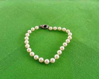 Faux Pearl Bracelet (Item 328)